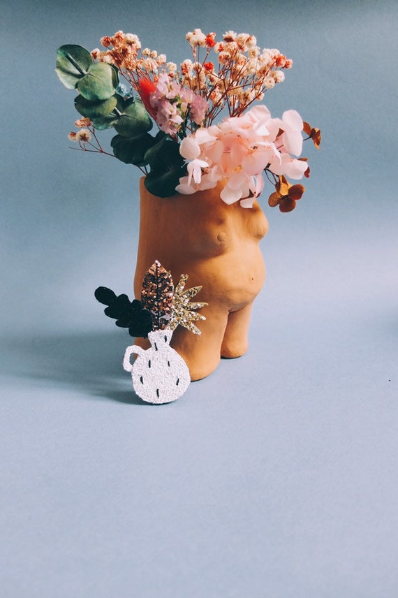 Solly the vase - handmade brooch