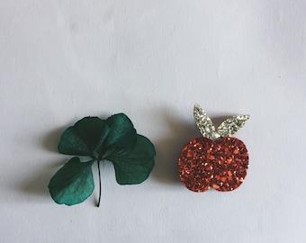 The Albertine Apple - Apple - Apple Brooch - Handmade - soft Cactus brooch - La Rochelle