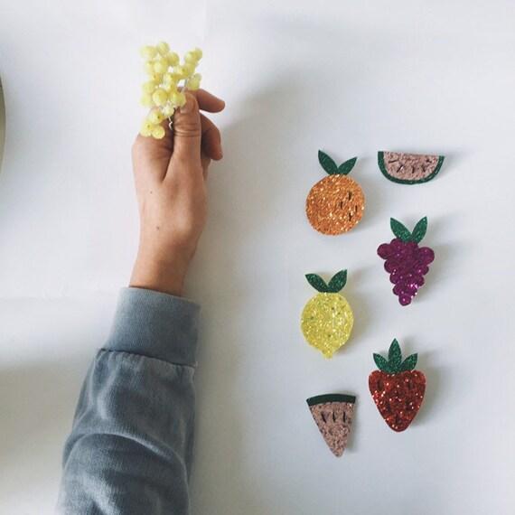 Jolie Broche Fruit Raisin Martial Faite Main Avec Amour à La Rochelle