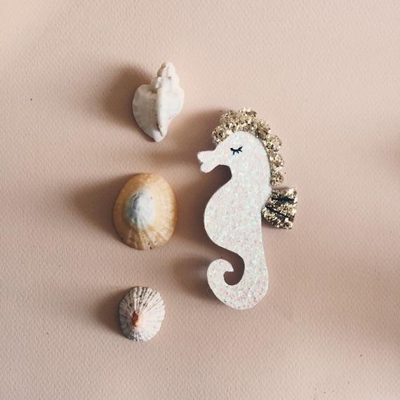 Miguel the seahorse - handmade brooch