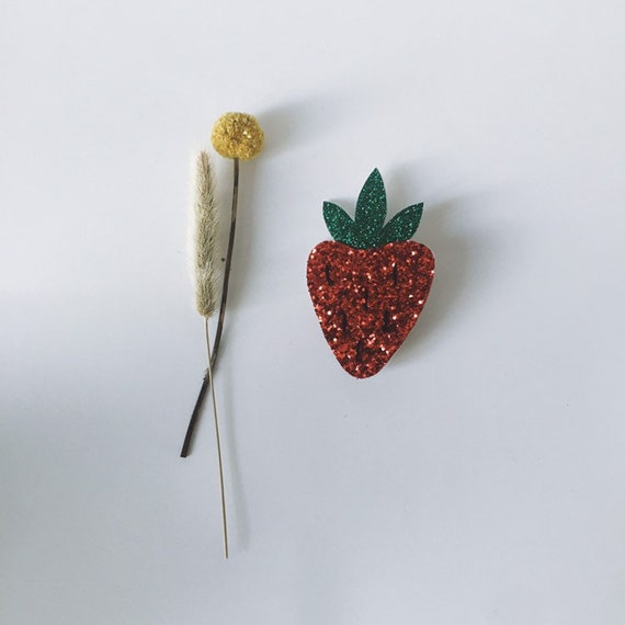 Hello little Franny brooch Strawberry handmade in La Rochelle