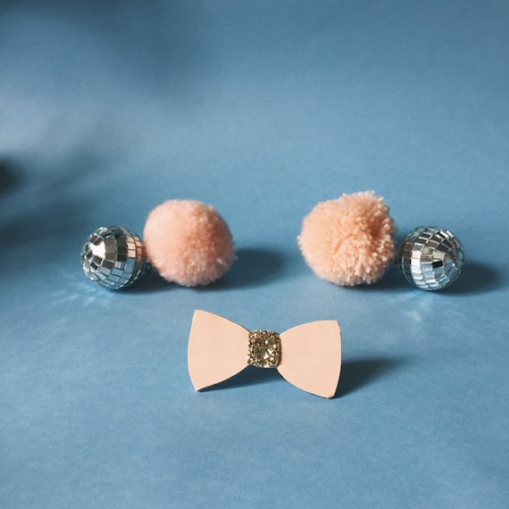 Fernando the bow tie - handmade brooch