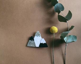 Marli the three peaks mountain - handmade brooch