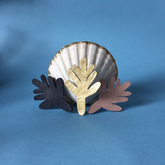Brooch: coral Gloria leather or sequined made handmade with love in La Rochelle