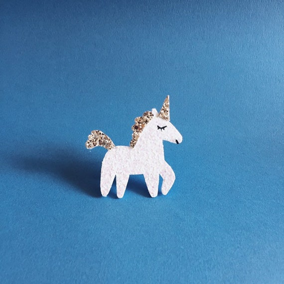 Pretty hand-made glitter Unicorn brooch in La Rochelle