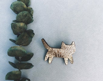 Elmo the cat - handmade mini brooch in french leather