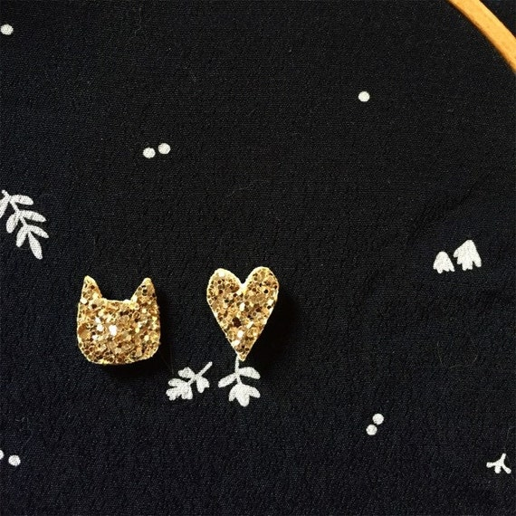 Pine cat and heart gold glitter made with love in La Rochelle