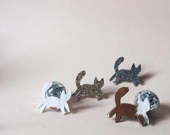Huguette the cat - handmade brooch