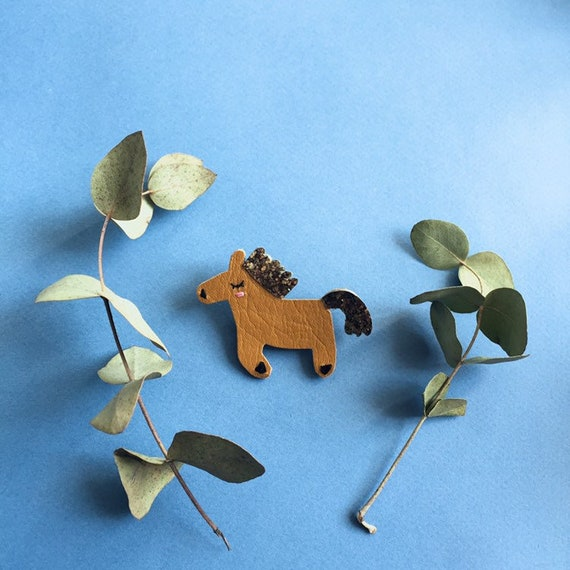 Jolie Fosty pin horse in Handmade French Leather at La Rochelle Tendre Cactus
