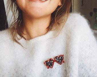 Lolita the little heart-shaped glasses - handmade brooch