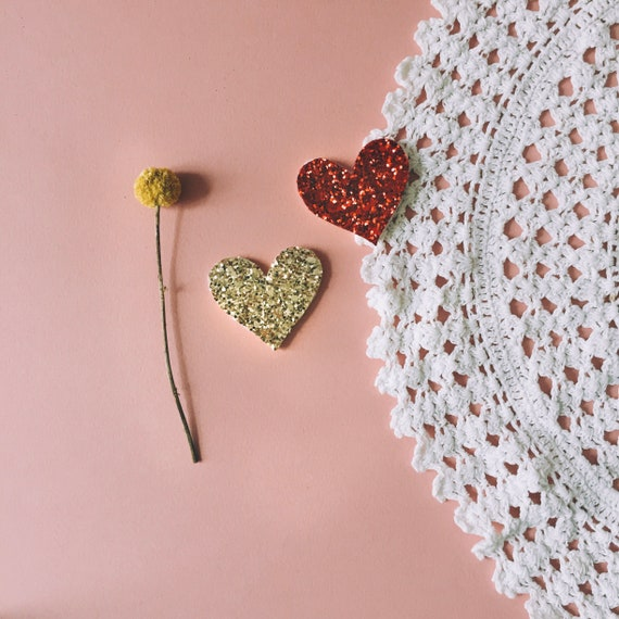 Heart brooch with large glitter made handmade in La Rochelle