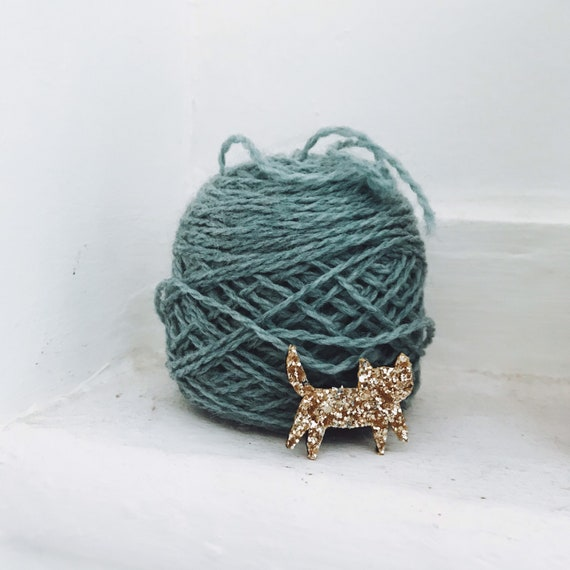 Mini brooch Ermano handmade cat with Love by Tender Cactus