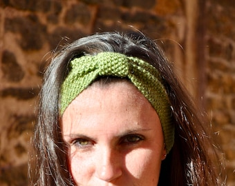 Crochet wool fine Merino 100% natural for woman or child olive green 10cm