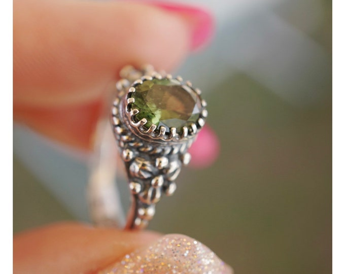 Faceted MOLDAVITE Ring 5x7mm Heart SIZES 4 5 6 7 8 9 10 11 12 This Healing Crystal can assist with Rapid Transformation - MC107