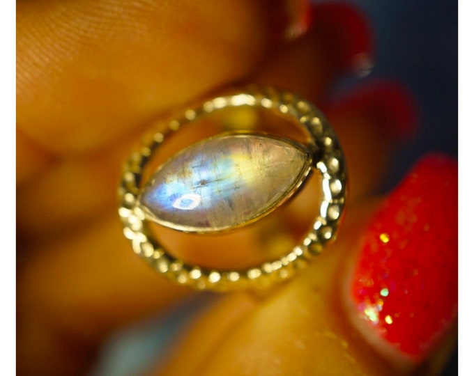 Rainbow MOONSTONE Ring Size 8 & 9 in 925 Silver - This Healing Crystal can make you feel Beautiful RXMS