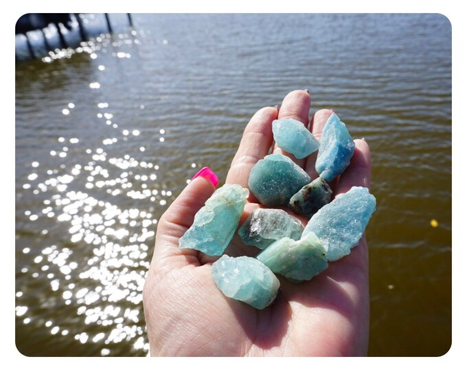 """Raw AQUAMARINE Crystals (Grade A Quality) 1/2- 2"""" - This Healing Crystal can be a stress reducer - FREE Shipping T88 B5"""