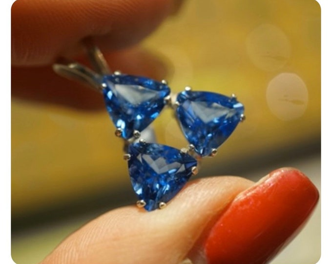 Faceted SIBERIAN BLUE Quartz Pendant 3 Trillions 6mm each - 925 Silver - This Healing Crystal can give Mental Clarity P261