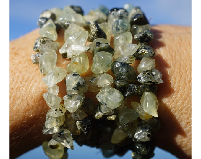 """Green PREHINITE Bracelet 7"""" with EPIDOTE - Stretch Beaded Prehinite Chip Bracelet - This Healing Crystal can Enhance Intuition B88"""