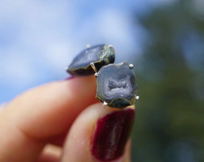 Grey Druzy AGATE Earring set in 925 sterling silver - This Healing Crystal can ground yet provides a very high energy E88