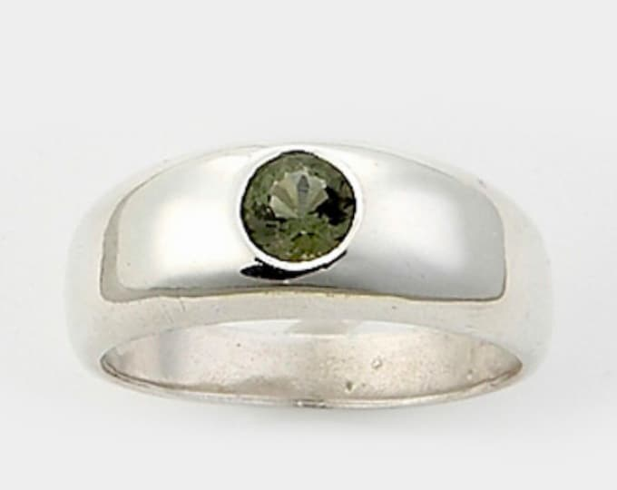 Faceted MOLDAVITE MENs Ring - 5mm Round - Made to Order Sizes 6 7 8 10 11 12 13 14 - Healing Crystal can speed up your spiritual path HM616
