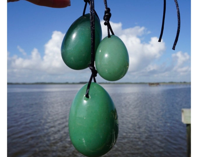 Polished Green AVENTURINE Yoni Egg Set - This Green Healing Crystal can Heal Physical and Emotional Trauma - 45x35mm, 40x30mm, 30x20mm