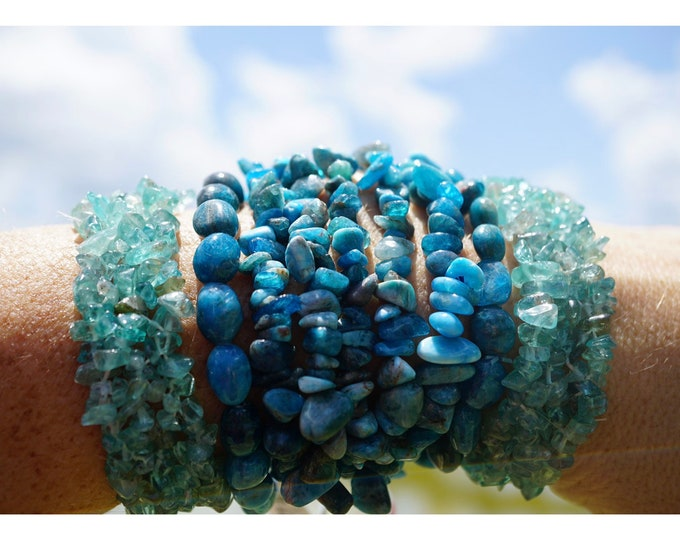 BLUE and NEON APATITE Bracelet - Beaded Stretch Bracelet - 7.25 inches - This Blue Healing Crystal can uplift your mood B88