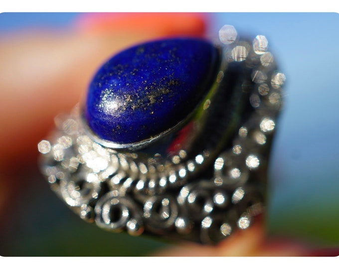 Polished LAPIS LAZULI Ring set in 925 Silver - Size 8 - This Healing Crystal can promote self awareness RLL8