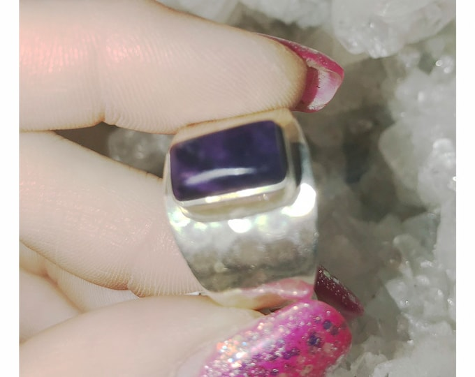 Polished SUGILITE Ring from South Africa in 925 Sterling Silver - This Rare Healing Crystal can give strong healing with LOVE - Size 9 AK201
