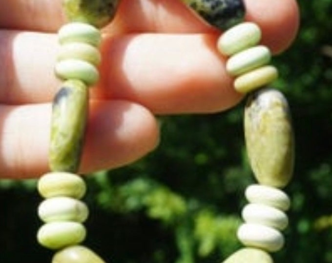 Green Jade and Lemon Chrysoprase beaded stretch Bracelet 7 inches - These Healing Crystals can Atract Money, Love and Healing