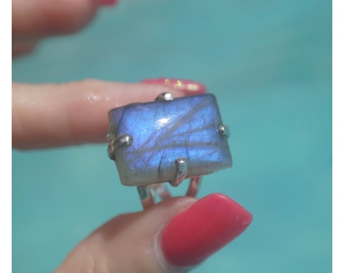 Blue LABRADORITE Ring - Size 6.5 - 925 Sterling Silver - This Healing Crystal can be Magical RLB65