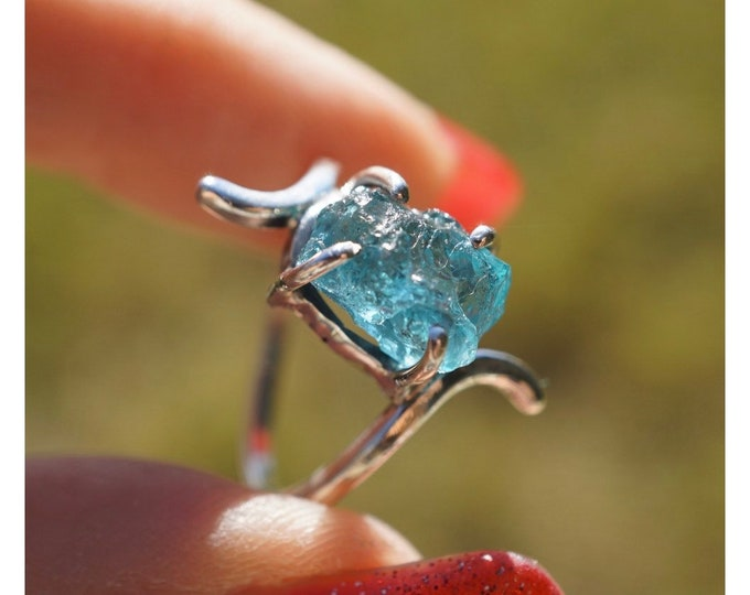 Raw Blue NEON APATITE Ring set in Sterling 925 Silver Size 7 - This Healing Crystal can uplift your mood JF19