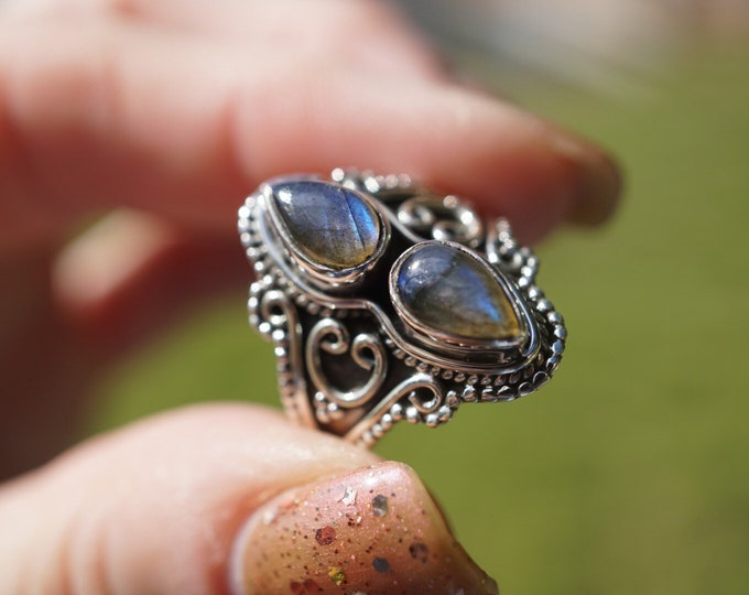 Polished Blue LABRADORITE double stone Ring  - size 6.5 - This Healing Crystal can be the stone of Magic and protection D43