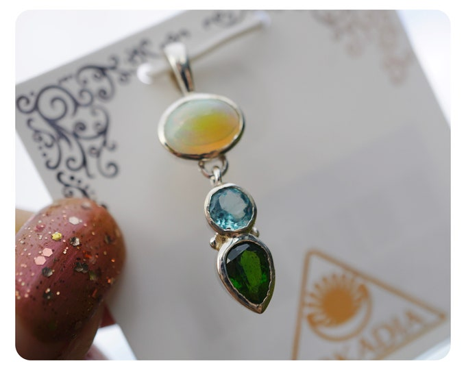 "Faceted Chrome DIOPSIDE, Fire OPAL, Blue Topaz Pendant - 925 Silver - This Blue Green Healing Crystal can give High Energy 2.7g 1.25"" AK124"
