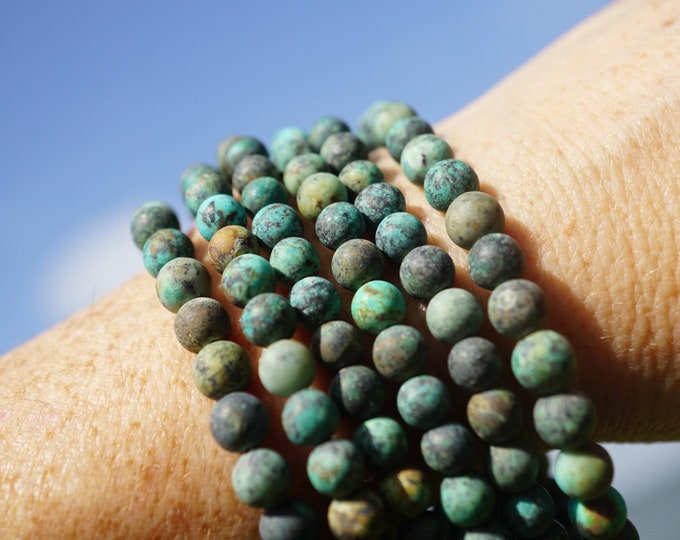 """Natural TURQUOISE Bracelet - Chip Beads from Africa - This Healing Crystal can give you a Sense of Wholeness and Strength 7"""" BDTQ1"""