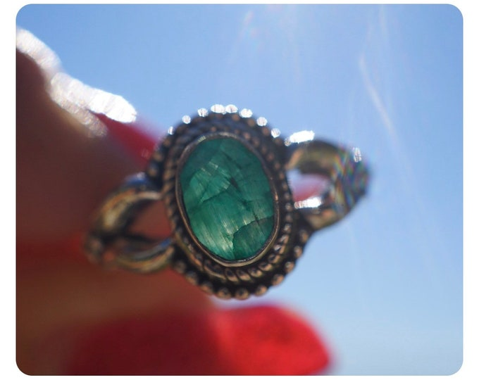 Faceted EMERALD Ring in 925 Sterling Silver size 6.5 - This Healing Crystal can allow the Heart to Heal P067