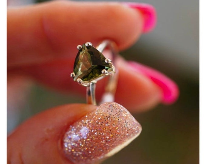 Faceted MOLDAVITE Ring 6mm Trillion - 925 Silver or 14kt Gold SIZES 4 5 6 7 8 9 10 11 12 Healing Crystal for Personal Evolution HM632