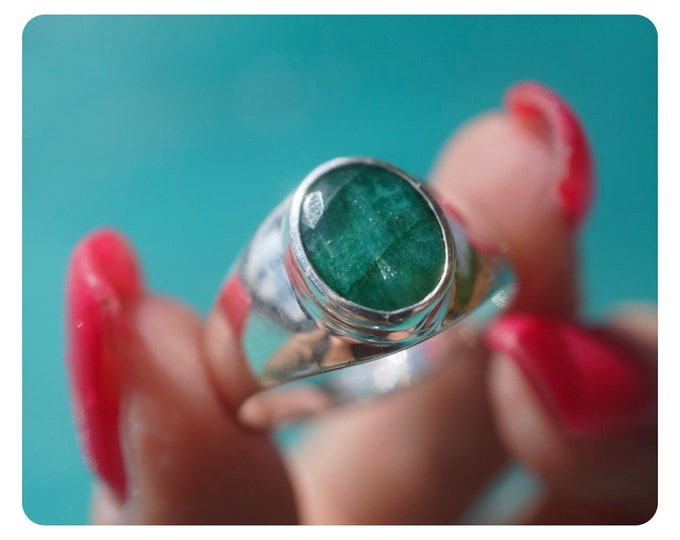 Faceted EMERALD Ring from Brazil - 925 Silver - Men's Ring Size 11.5 - Green Healing Crystal can Heal your Heart JF23