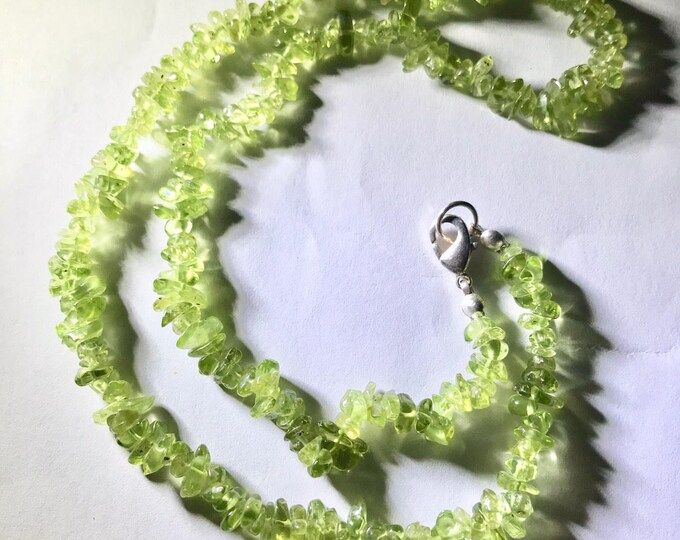 """Green PERIDOT Necklace - Chip Beads with Silver Clasp 18"""" This Healing Crystal can Attract Harmony and Prosperity NEPD1"""