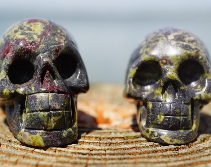 Carved DRAGON STONE Jasper Skull ~ This Healing Crystal can give you Vitality and increasing Energy ~ 50x40x30mm 95g C28
