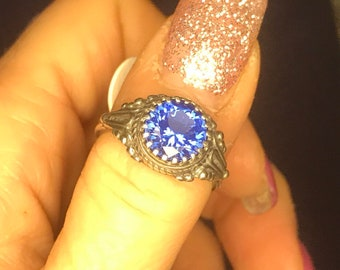 Vintage Siberian BLUE QURTZ 10 mm Stone in 925 Sterling Silver size 6 or 7  (Said to give Mental Clarity and assist with Memory)dan