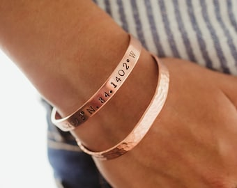 Personalized Copper Bracelet Set, Hammered Copper Cuff Bracelet, Womens Stamped Copper Word Bracelet, Copper Minimalist Bracelet Gift Set