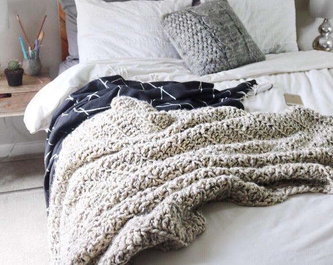 BIG COZY // Chunky Blanket // Chunky Throw Blanket // Chunky Knit Blanket *Pictured in the color oatmeal*