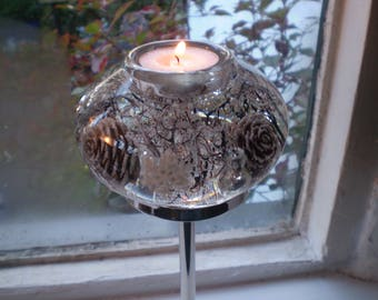 Danish Romantic Crystal Mirror 3 Tea Lite Holder,Just Beautiful as it reflects the candle light.