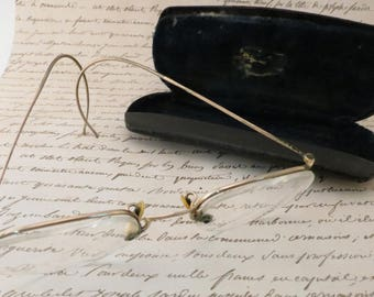 Dating antique spectacles with chain