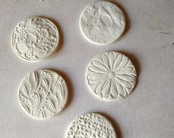 Craft ceramic magnets, decorative magnets, white porcelain house decoration, motifs of your choice, fridge magnets, fridge decoration, Christmas gift