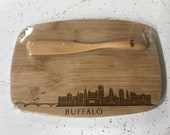 Buffalo Skyline Bamboo Cheeseboard with Spreading Utensil