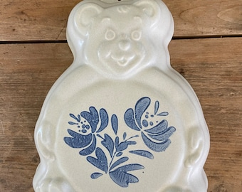 Vintage 1980s Pfaltzgraff Country Fair Pattern Child/'s Plate Cream and Navy Bear in Center  2185