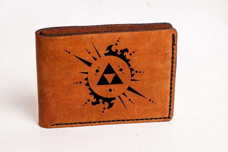 84de74621ac4d Zelda pour homme portefeuille Zelda en cuir portefeuille Zelda | Etsy