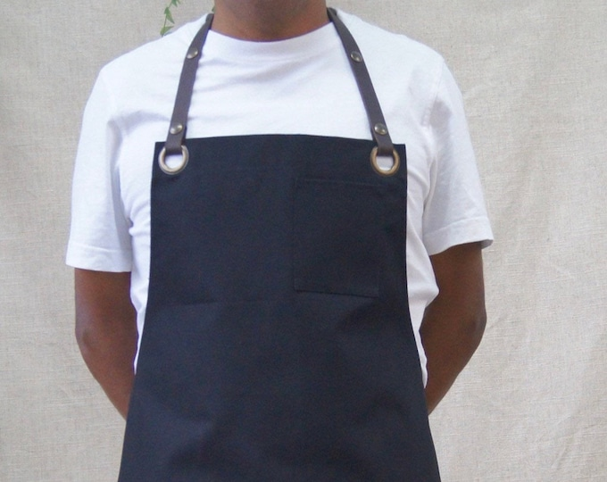 Butcher apron in fabric and leather straps