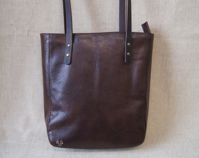 Small zippered tote bag